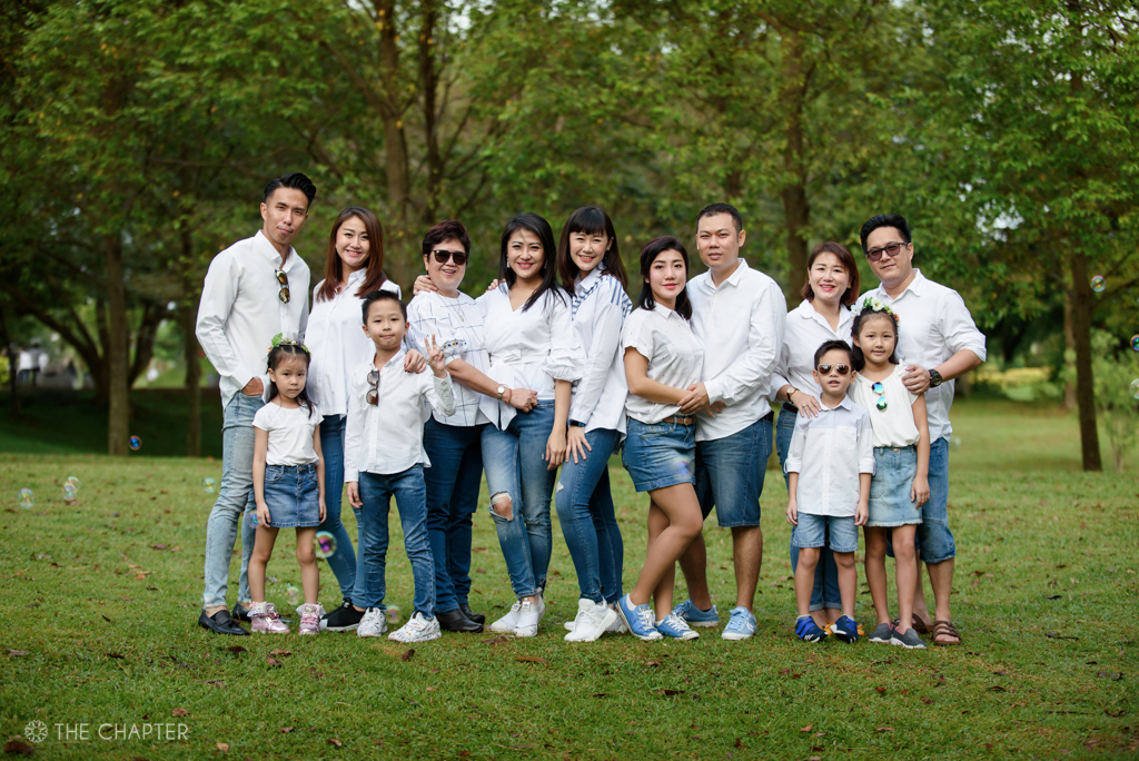 family portraits ipoh photographer, family portrait ipoh, ipoh portrait photographer, ipoh wedding portrait photography, the chapter, family portrait photography package